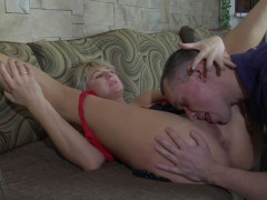 Horny guy tasting mature feet and ripe pussy and putting his tool to workvideo